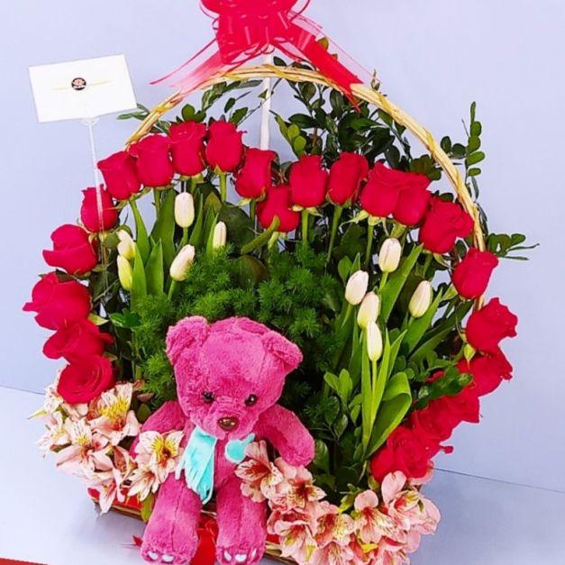 Full rosas corazon