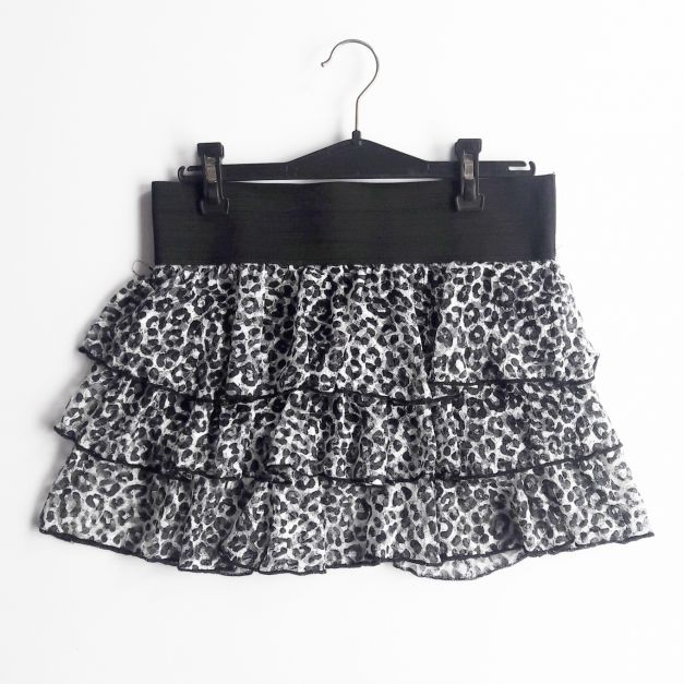 Falda de vuelos estampado animal print  (#33THRIFTSHOP)