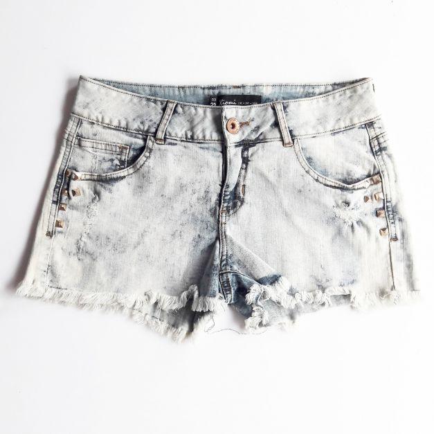Short lavado con estoperoles a los costados   (#33THRIFTSHOP)