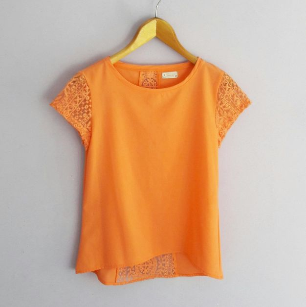 Polo Naranja con encaje en espalda y mangas