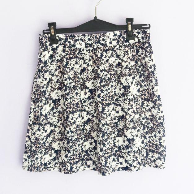 Falda con estampado de flores   (#33THRIFTSHOP)
