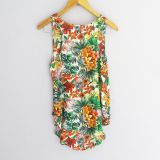 Blusa sin mangas con estampado de flores tropicales (#33THRIFTSHOP)