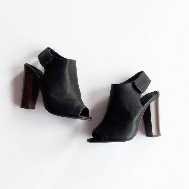 zapatos de tacón grueso negros (#33THRIFTSHOP)