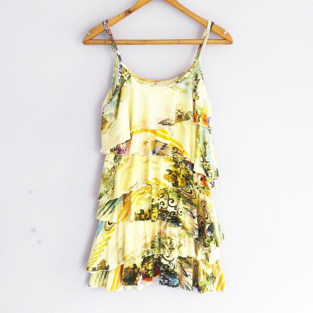 Vestido de tiras con volantes amarillo de flores  (#33THRIFTSHOP)