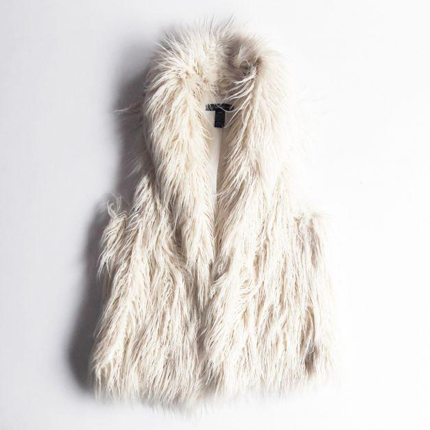 Chaleco de peluche blanco (#33THRIFTSHOP)