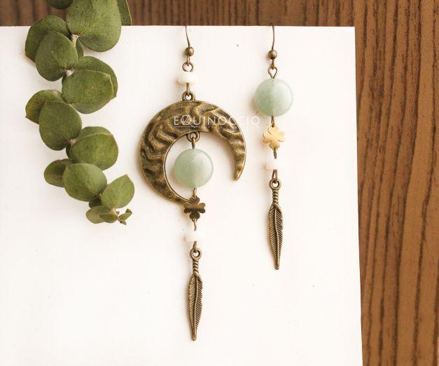 Aretes Asimétricos Brillo de Luna - Cuarzo Verde