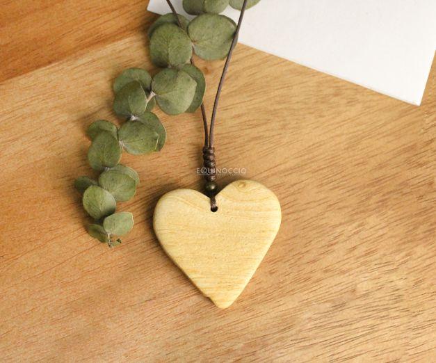 Collar Santo Corazón - Palo Santo