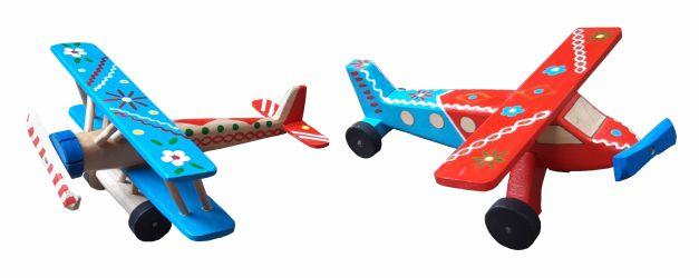 Pareja de aviones tradicionales