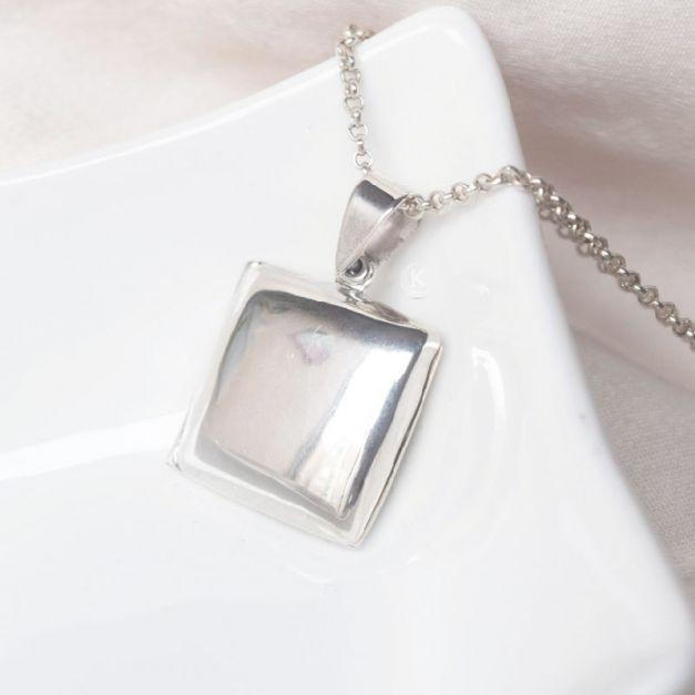Collar de Plata Relicario Cuadrado