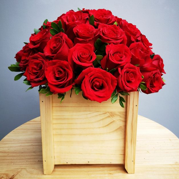 Caja Madera - 36 Rosas