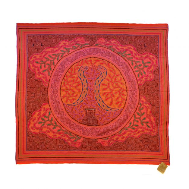 Manta tradicional roja