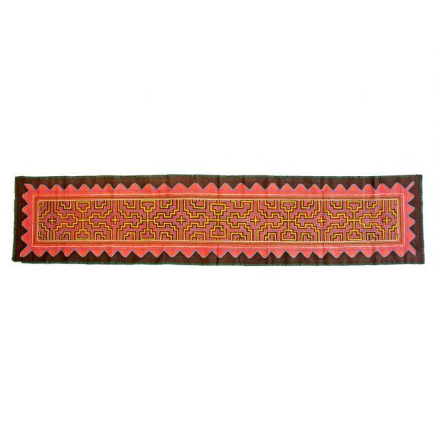 Camino de mesa con diseño kurus kené
