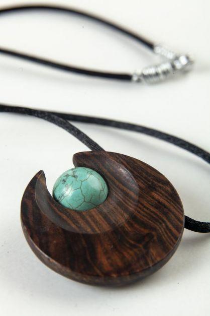 Collar Media Luna