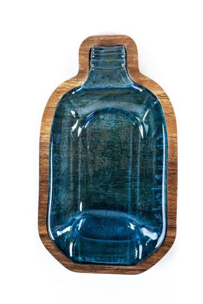 Fuente mediana hecha de botella de Whisky reciclada